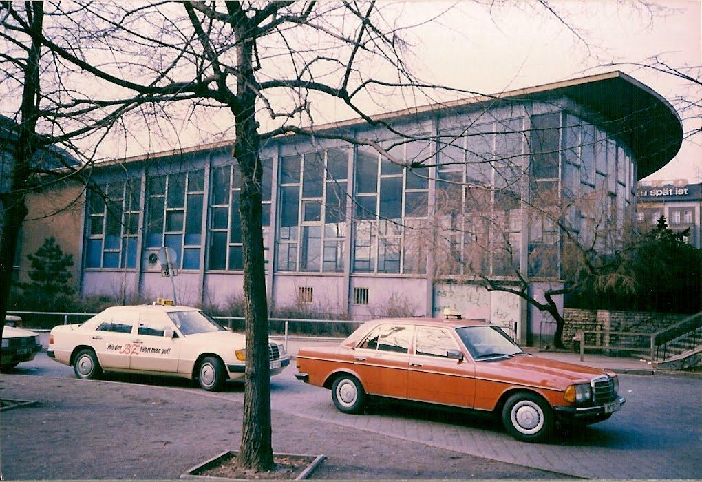 Der Tränenpalast, Januar 1990, aufgenommen mit einem ORWO - Film, Foto:  Andrjuschenka