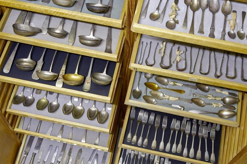 Raubkunst: Besteck, Silber, ehemals jüdischer Besitz, Foto: Fellenberg/Luther