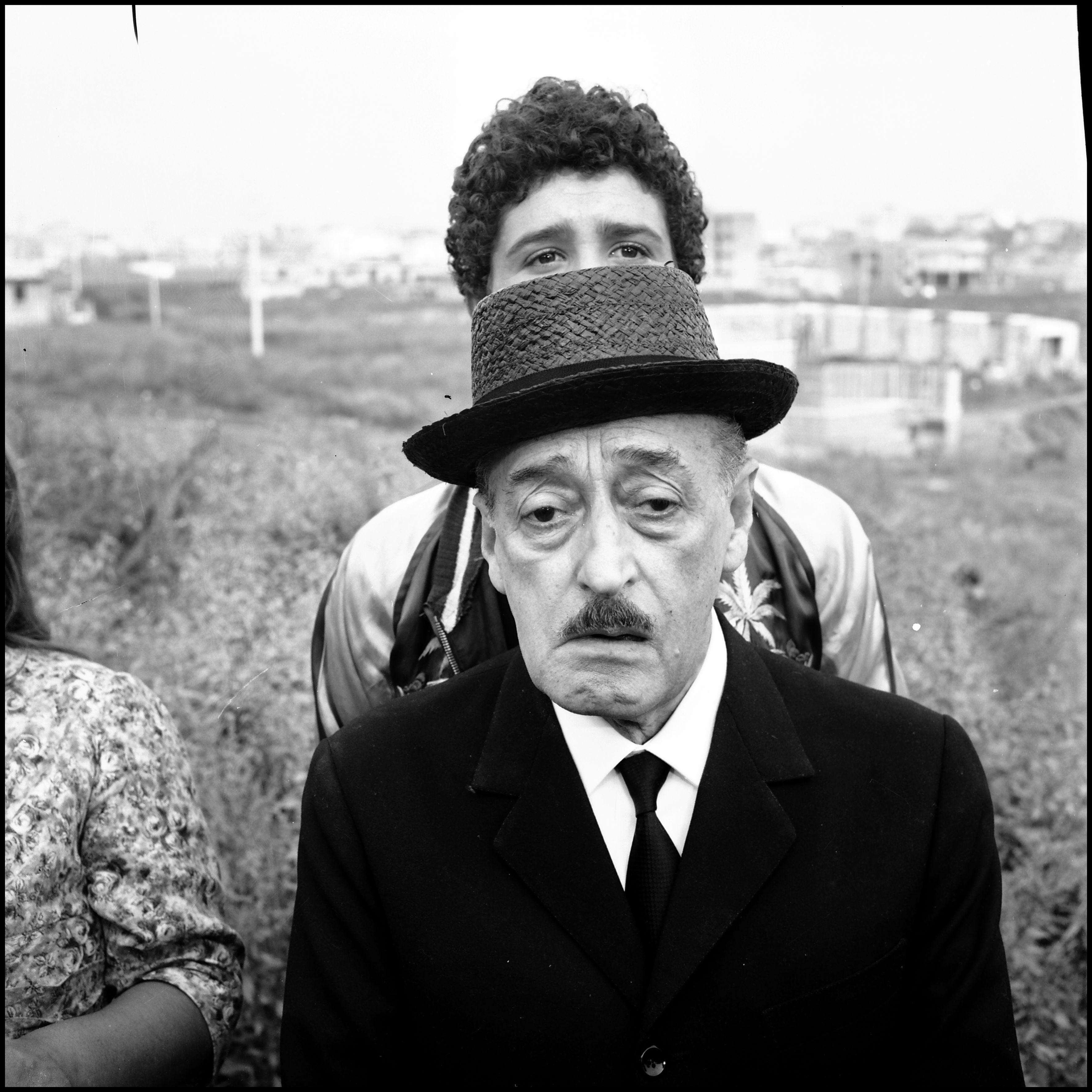 """Pasolini: Totò und Ninetto Davoli auf dem Set von """"Uccellacci e uccellini"""", 1965 © ph. Divo Cavicchioli / Centro Cinema Città di Cesena"""