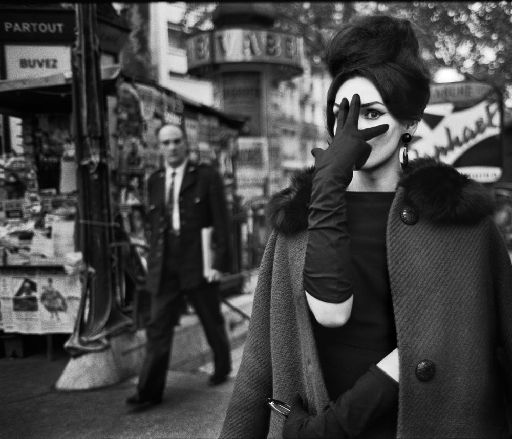 Christer Strömholm. Nana, Place Blanche, Paris 1961. © Christer Strömholm/Strömholm Estate, 2014.
