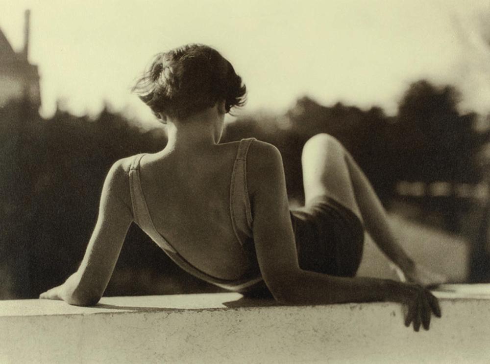 Paris Photo: Anonyme Sans titre, Vers 1930 Tirage argentique © Courtesy Lumière des Roses Exhibitor : LUMIERE DES ROSES