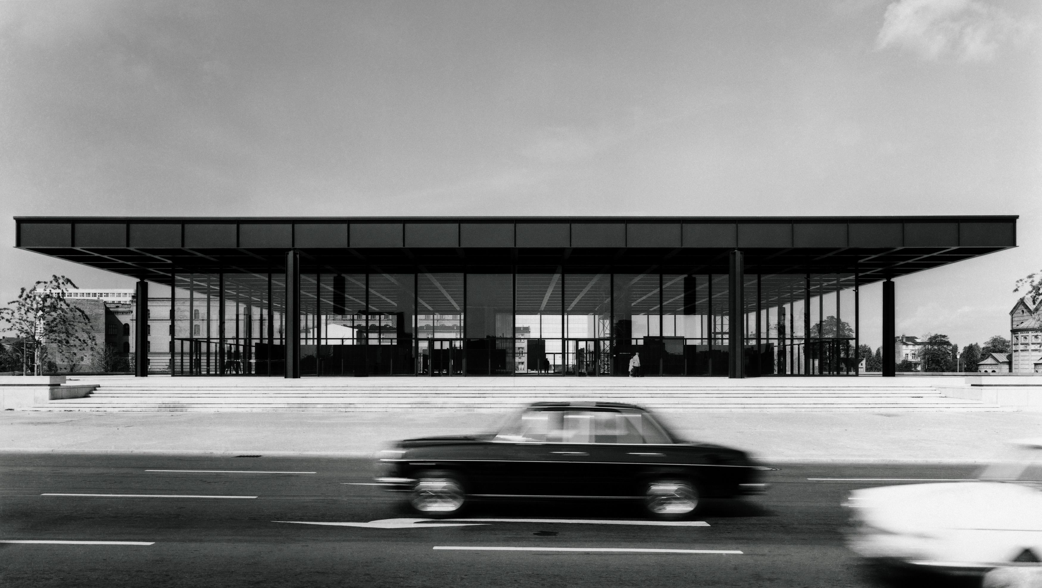 Neue Nationalgalerie: Außenansicht, Ansicht Potsdamer Straße, 1968. Foto: Reinhard Friedrich/ Nationalgalerie, Nationalgalerie, Staatliche Museen zu Berlin
