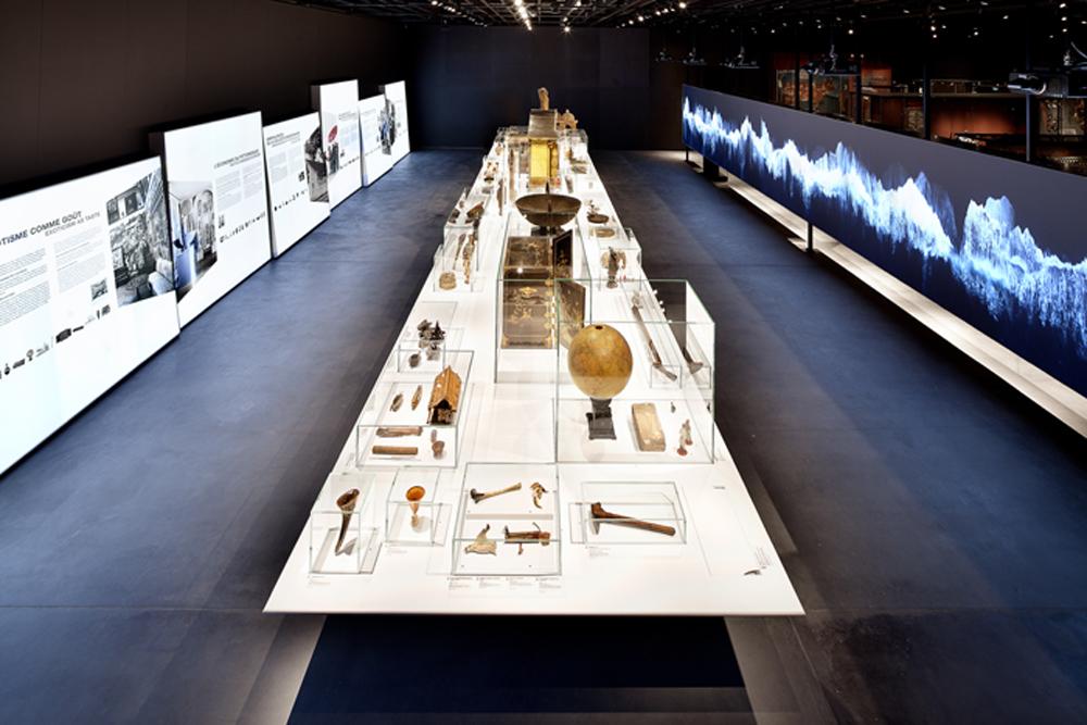 Exposition de référence «Les archives de la diversité humaine» Scénographie Atelier Brückner GmbH, Stuttgart / Photo: MEG – Atelier Brückner, Daniel Stauch