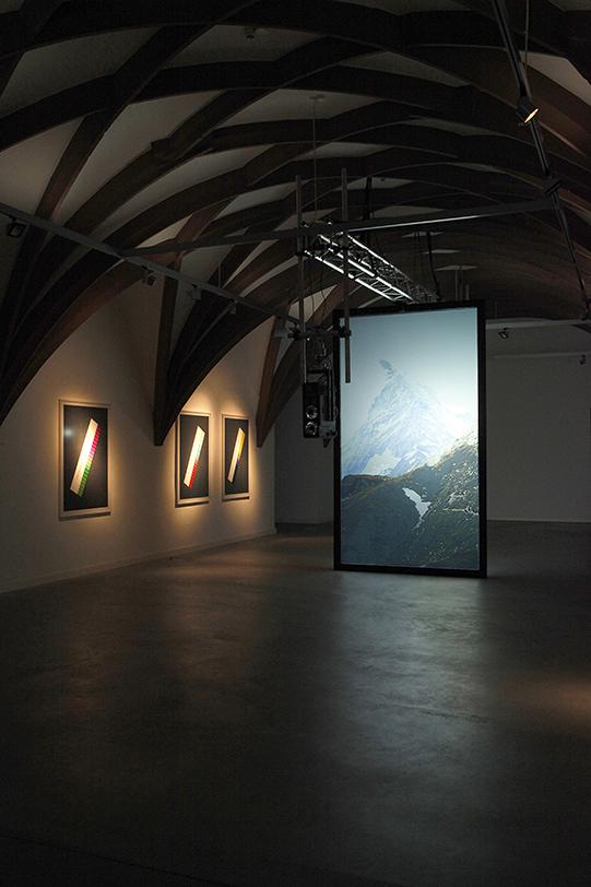 Installationsansicht: Karolin Back: Was ist eine Sekunde, wenn neben ihr die Welt steht?, 2013. © Karolin Back