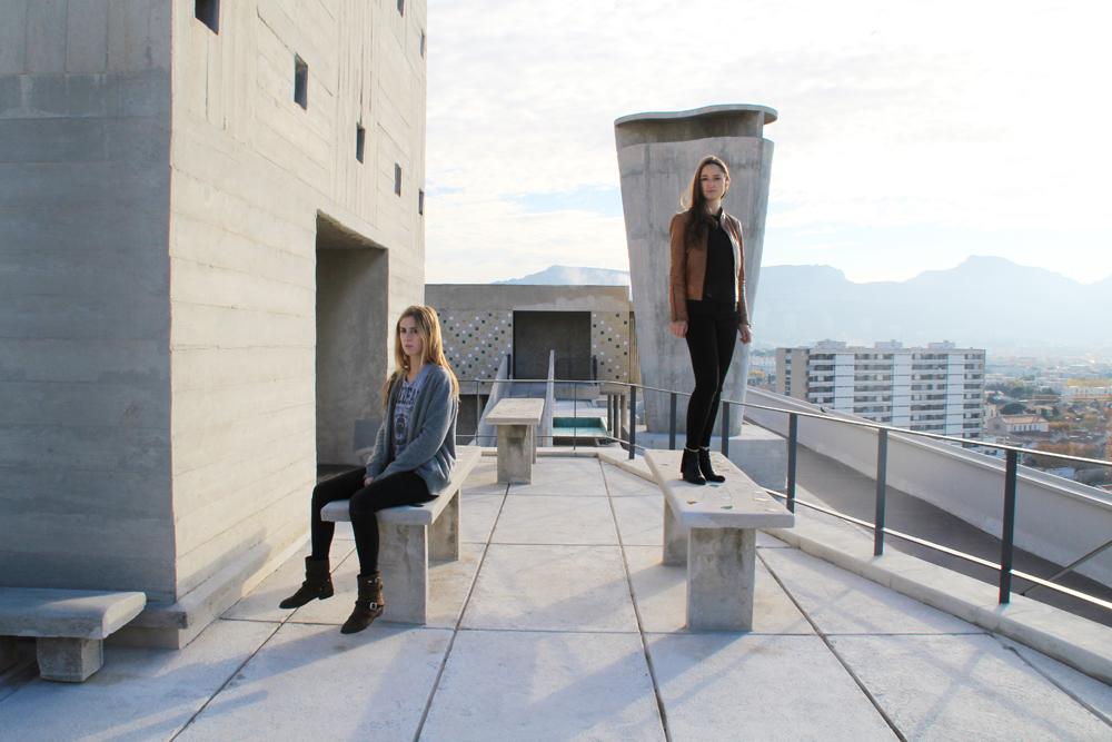 Charlotte Cosson (stehend) und Emmanuelle Luciani (sitzend), Foto:© Julie Liger