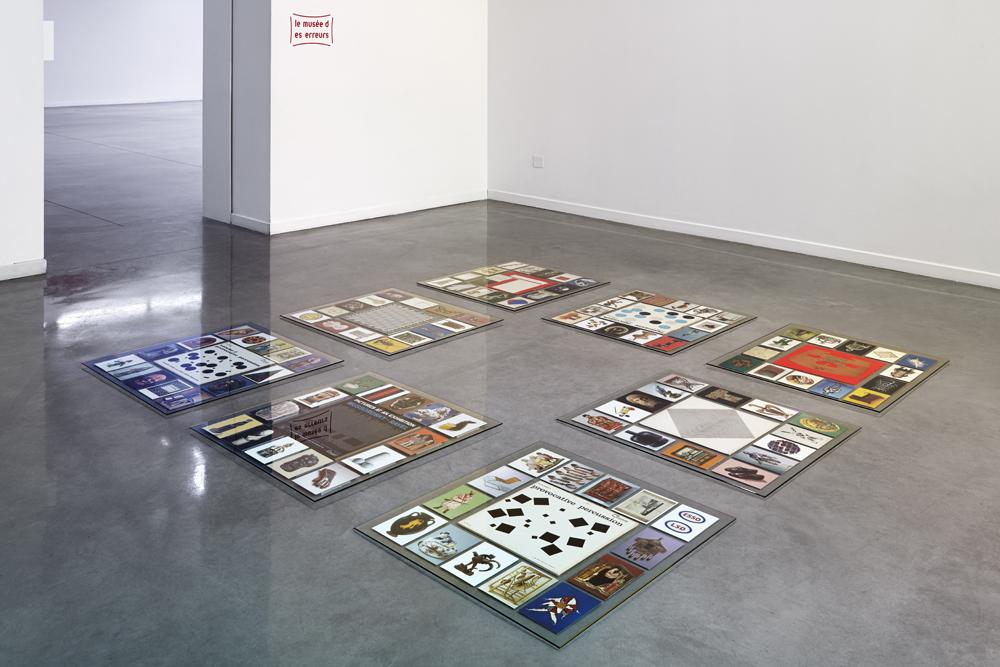 Pierre Leguillon: Le musée des erreurs : Barnum, Pierre Leguillon, 2015, vue de salle. Musée régional d'art contemporain, Sérignan. Photo: Jean-Christophe Lett.