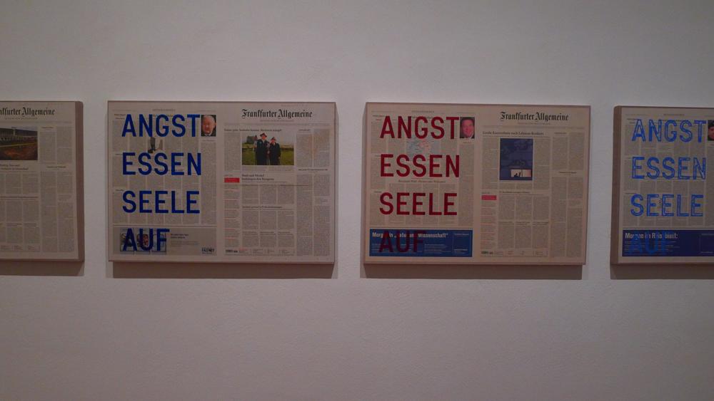 Fassbinder: Rirkrit Tiravanija: Untitled 2010 (Angst essen Seele auf – September 22, 2008), 2010, Foto: Klaas