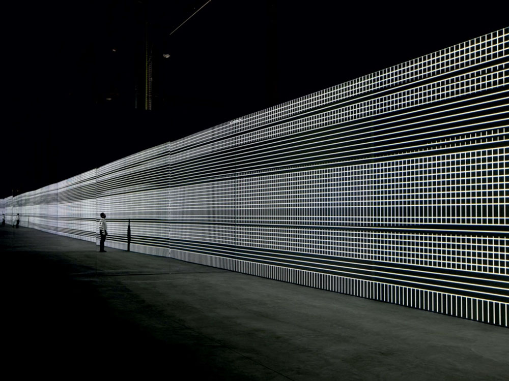 Walk The Line: Carsten Nicolai unidisplay, 2012 Foto: Richard-Max Tremblay © VG Bild-Kunst, Bonn 2015
