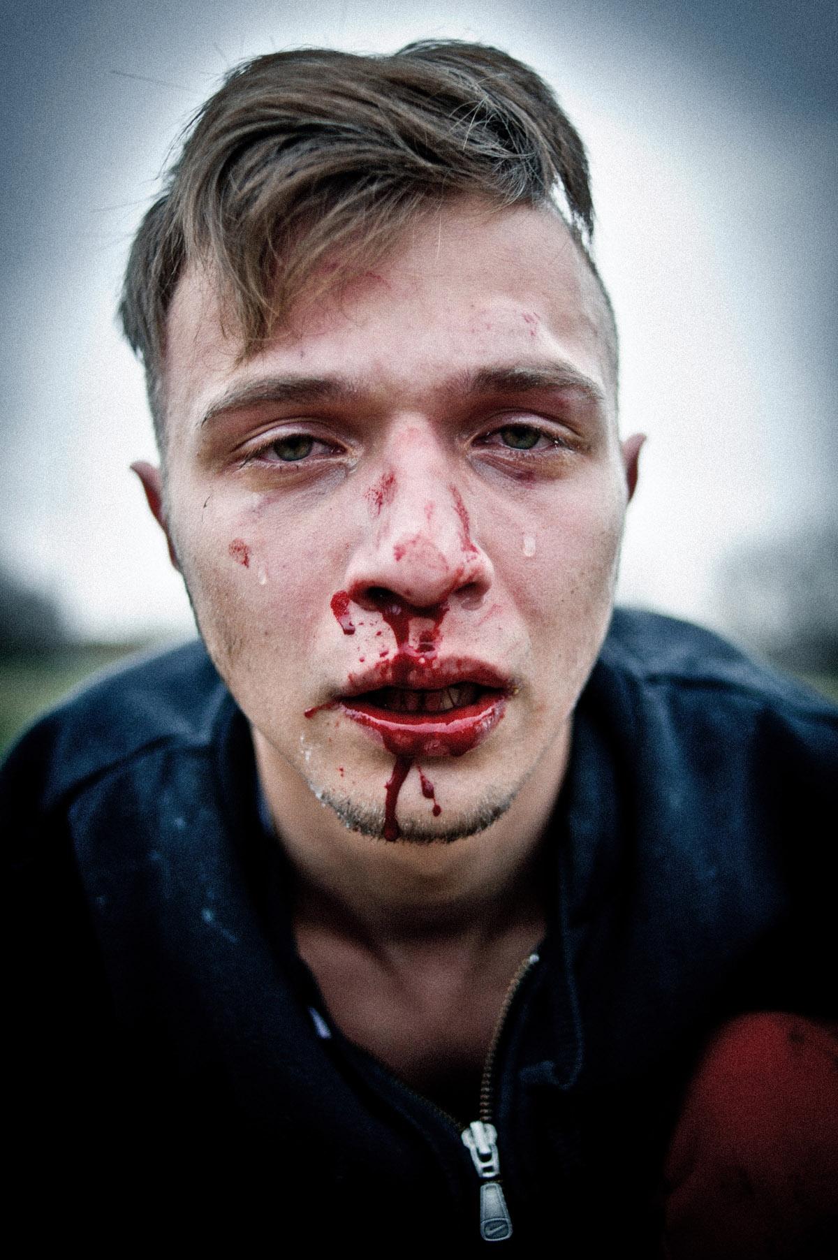 Andrew Lubimov, Hooligans. Erschienen in Vice Nr. 9/2014. Nominiert in der Kategorie Reportagefotografie des Jahres. © Andrew Lubimov
