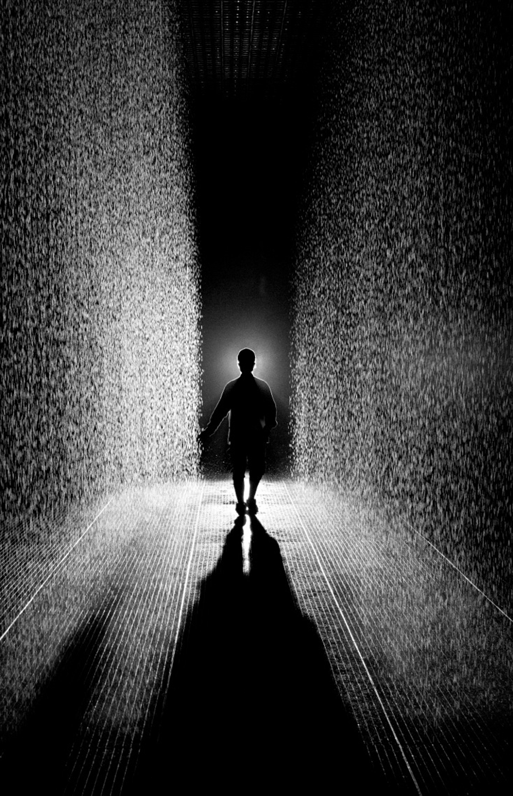 Rain Room at Barbican London 2012. Foto: Random International