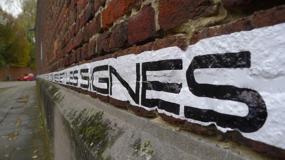 "Mons: ""La Phrase"" am Gefängnis von Mons, Foto: Klaas"