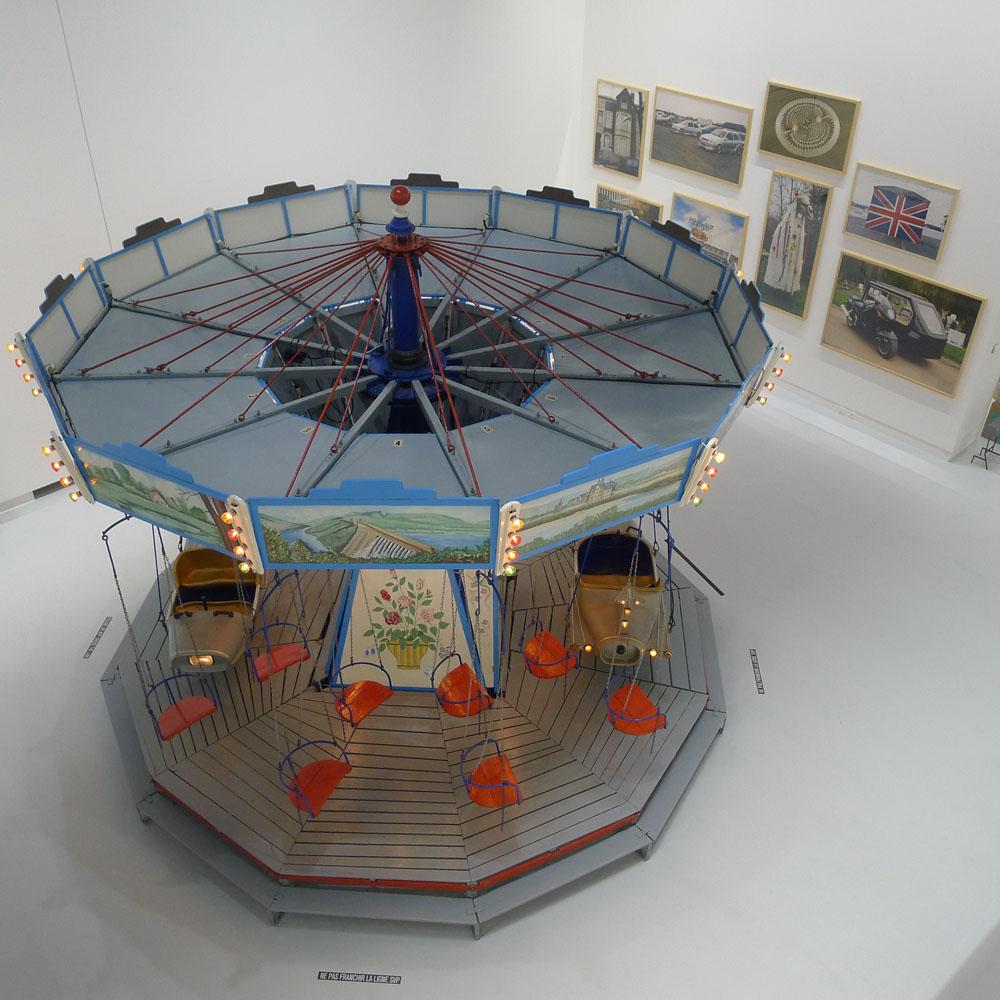 "Mons: Ausstellung ""Les Mondes Inversés"": Carsten Höller: ""Karussell"", 1999, Foto: Heiko Klaas"