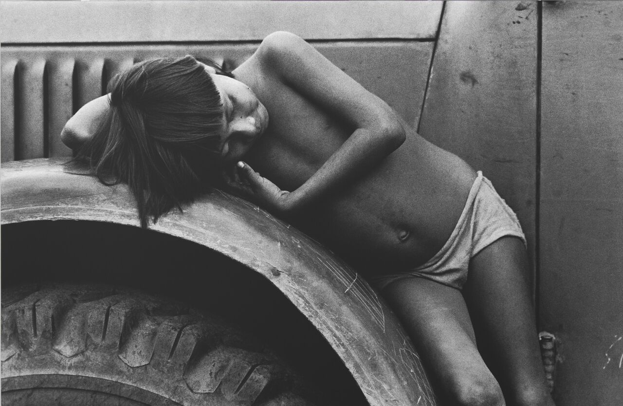 "Claudia Andujar, Ohne Titel, 1974, aus der Serie ""Contato"", © Claudia Andujar"