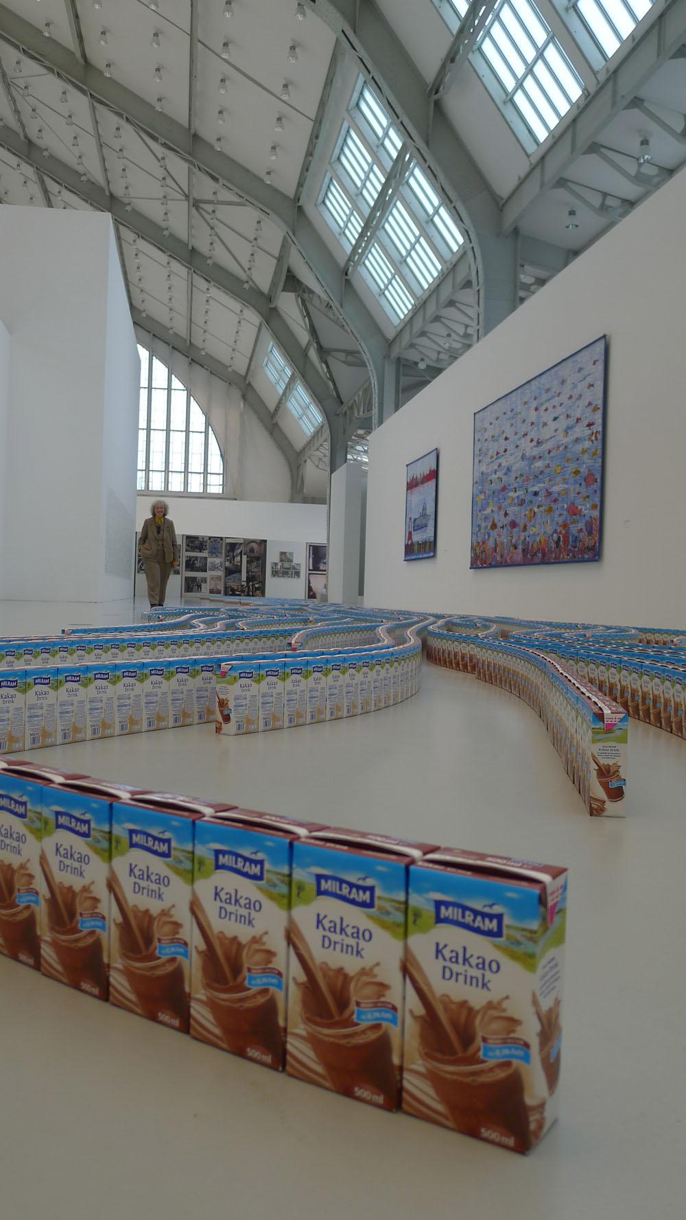 "Streamlines: Thomas Rentmeister: ""Cocoa Milk"", 2015, Foto: Klaas"