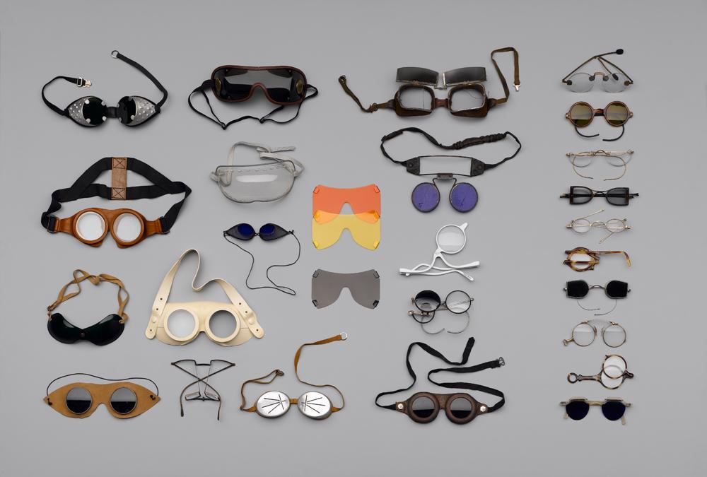 Name Design: Zum Schutz der Augen/Besser (aus)sehen, Foto: Hans Hansen