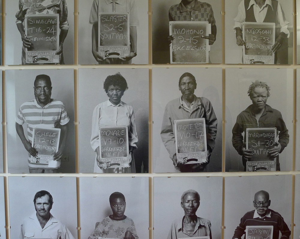 "Hacking Habitat: Paul Alberts: ""Democratic Portraits"", 1994, Foto: Heiko Klaas"